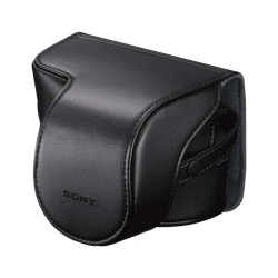 Protects α NEX camera and attached lens. In leather-look polyurethane. Can use with lens up to 16-50mm